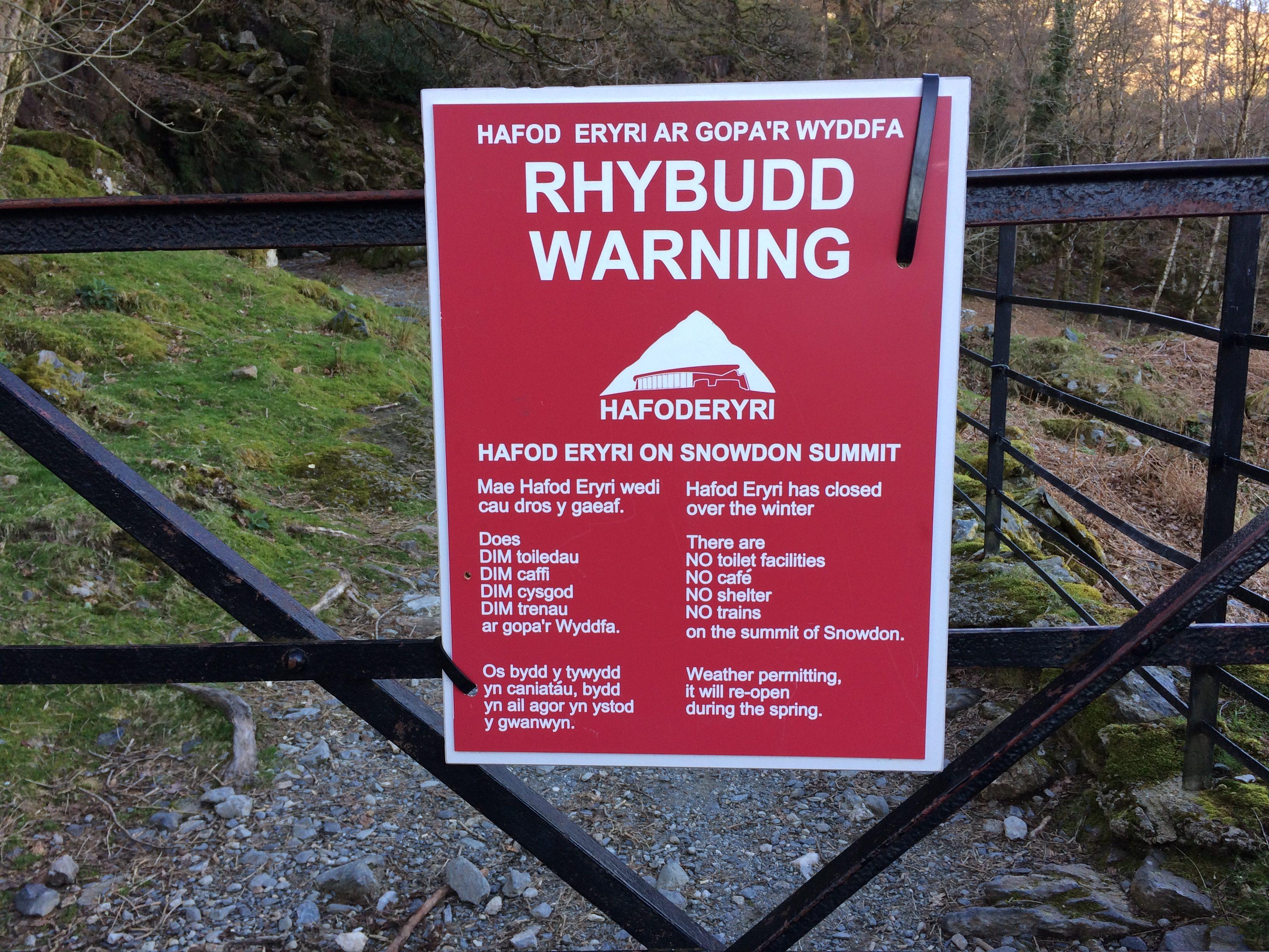 Snowdon warning sign